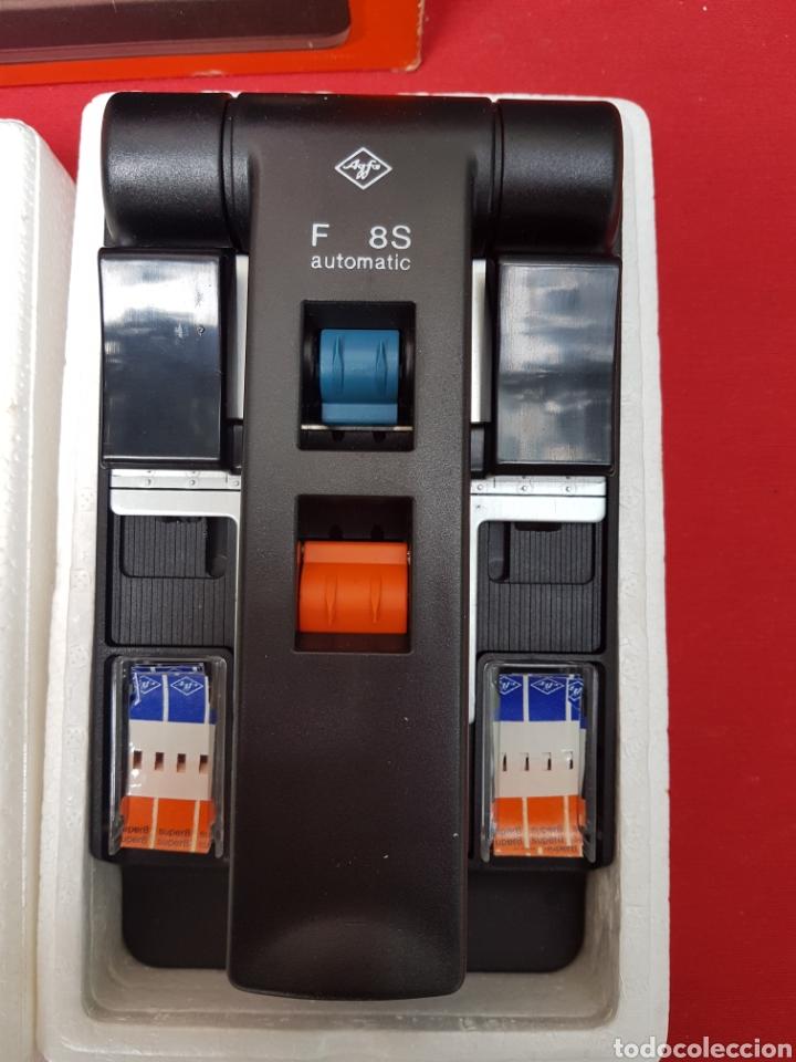 Antigüedades: Empalmadora, prensa de pegar película de super 8. Agfa f8s+caja+cinta adhesiva. Funciona - Foto 5 - 140370074