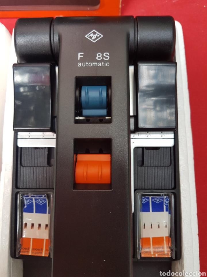 Antigüedades: Empalmadora, prensa de pegar película de super 8. Agfa f8s+caja+cinta adhesiva. Funciona - Foto 6 - 140370074