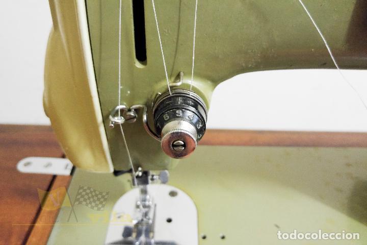Antigüedades: Máquina de coser Alfamatic 103 - Foto 7 - 140373614
