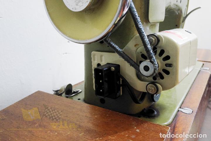 Antigüedades: Máquina de coser Alfamatic 103 - Foto 10 - 140373614