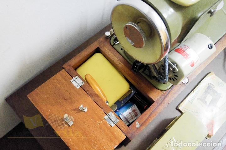 Antigüedades: Máquina de coser Alfamatic 103 - Foto 11 - 140373614