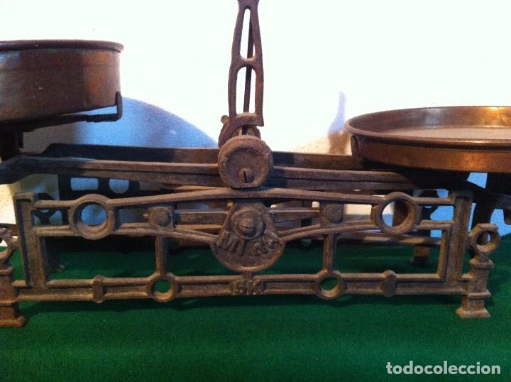 Antigüedades: PRECIOSA BALANZA AUSTRIACA CON JUEGO DE 8 PESAS DE BRONCE 100 AÑOS (BA 03+PE27) - Foto 2 - 140405018