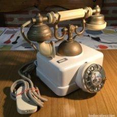 Teléfonos: ANTIGUO TELÉFONO ESTILO BLANCO, DE LA CTNE. Lote 140457782