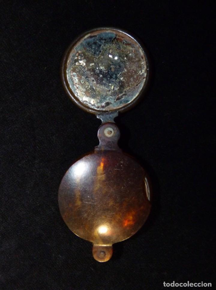 Antigüedades: ANTIGUA LUPA Y ESPEJO DE BOLSILLO. CELULOIDE IMITACIÓN CAREY. 7x4,7 cm. AÑOS 20. PLEGABLE. LENTE - Foto 7 - 140556666