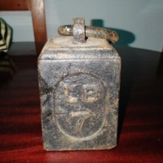 Antigüedades: PESA VICTORIANA SIGLO XIX INGLESA DE 7 LIBRAS DE PESO. Lote 140615870