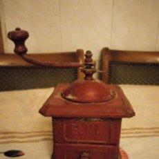 Antigüedades: ANTIGUO MOLINILLO DE CAFE MARCA ELMA,PINTADO EN ROJO.. Lote 140688826