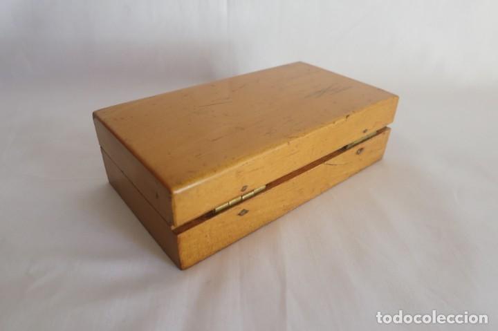 Antigüedades: caja de pesas de precision de 100 a 1 gramo - Foto 4 - 140765142