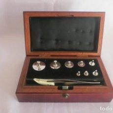 Antigüedades: CAJA DE PESAS DE PRECISION MARCA SARTORIUS. Lote 140767906
