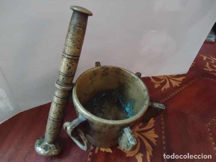ALMIREZ. MORTERO DE BRONCE 6 COSTILLAS, MAZA Y ARGOLLA. ANTIQUÍSIMO, SIGLO XVIII. VER FOTOS.2 (Antigüedades - Técnicas - Varios)