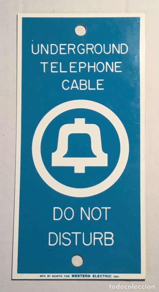 Teléfonos: Antigua placa vintage telefónica Western Electric, señalización trabajos telefónicos subterráneos - Foto 2 - 140838278