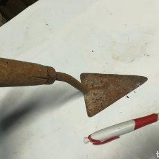 Antigüedades: PALETA DE ALBAÑIL. Lote 140873404