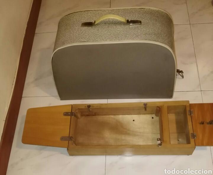 Mueble-maleta para maquina de coser. singer, al - Vendido