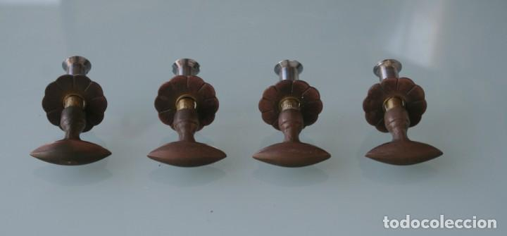 Antigüedades: TIRADORES POMOS DE METAL CON EMBELLECEDORES Y TUERCA TORNILLO POSTERIOR COMPLETOS. RESTAURAR MUEBLES - Foto 2 - 140946922