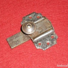 Antigüedades: ANTIGUO PESTILLO CERROJO.. Lote 176227015