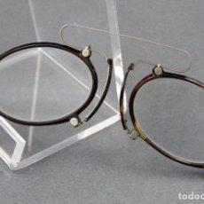 Antigüedades: GAFAS QUEVEDOS EN SIMIL CAREY Y METAL BLANCO HACIA 1900. Lote 141212542