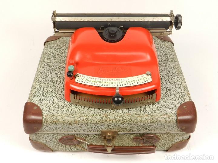 Antigüedades: Antigua máquina de escribir Bambino, año 1954 - Foto 2 - 141222282