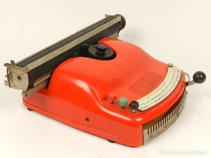 Antigüedades: Antigua máquina de escribir Bambino, año 1954 - Foto 7 - 141222282