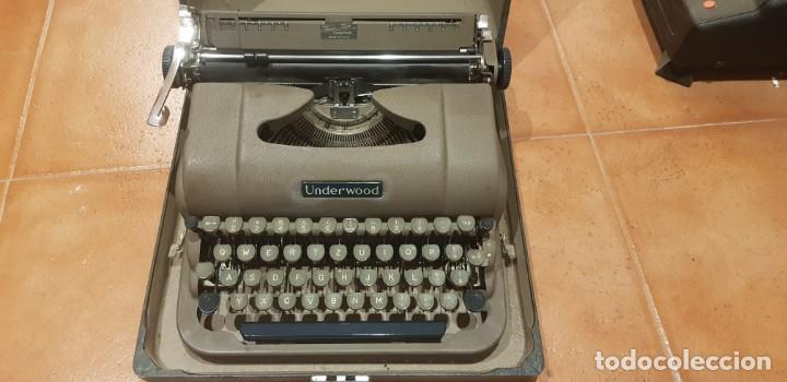MÁQUINA DE ESCRIBIR UNDERWOOD CON CAJA Y FUNCIONANDO (Antigüedades - Técnicas - Máquinas de Escribir Antiguas - Underwood)