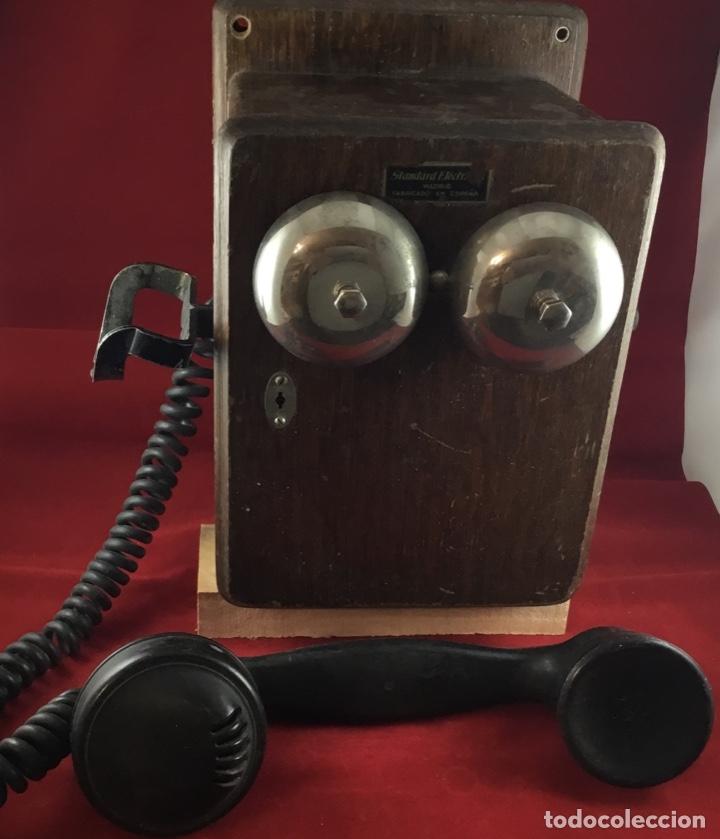 Teléfonos: Teléfono mural de madera y baquelita, con magneto, de Standard Eléctrica para la CTNE - Foto 2 - 133620834