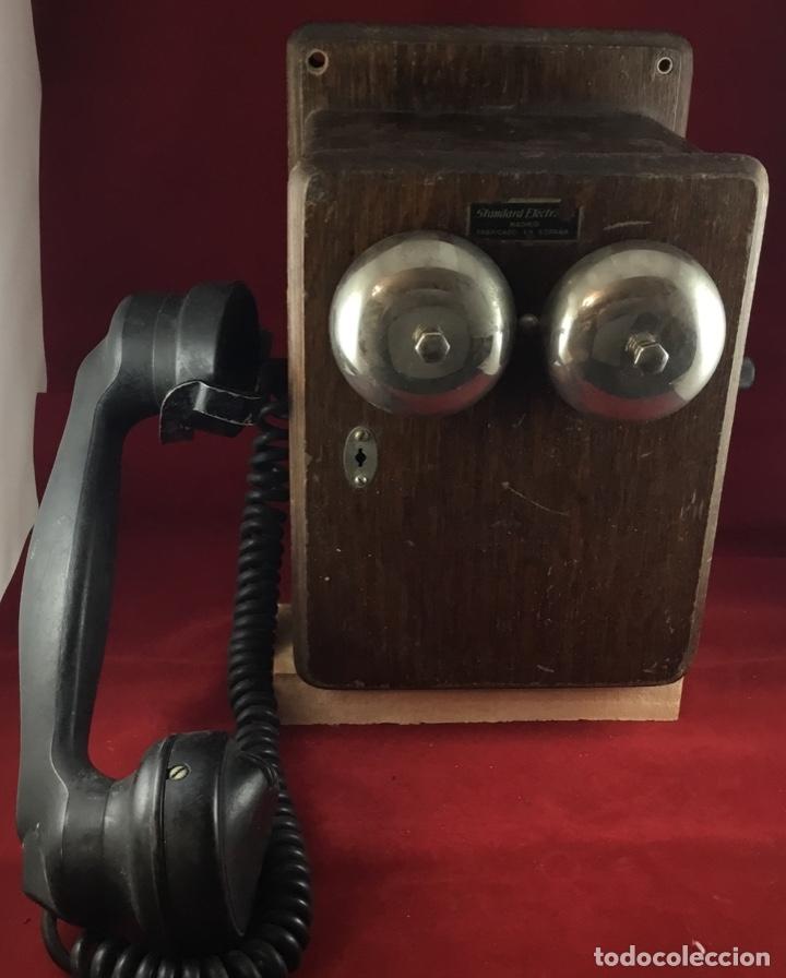 Teléfonos: Teléfono mural de madera y baquelita, con magneto, de Standard Eléctrica para la CTNE - Foto 5 - 133620834