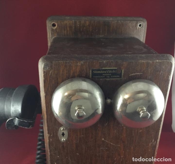 Teléfonos: Teléfono mural de madera y baquelita, con magneto, de Standard Eléctrica para la CTNE - Foto 7 - 133620834