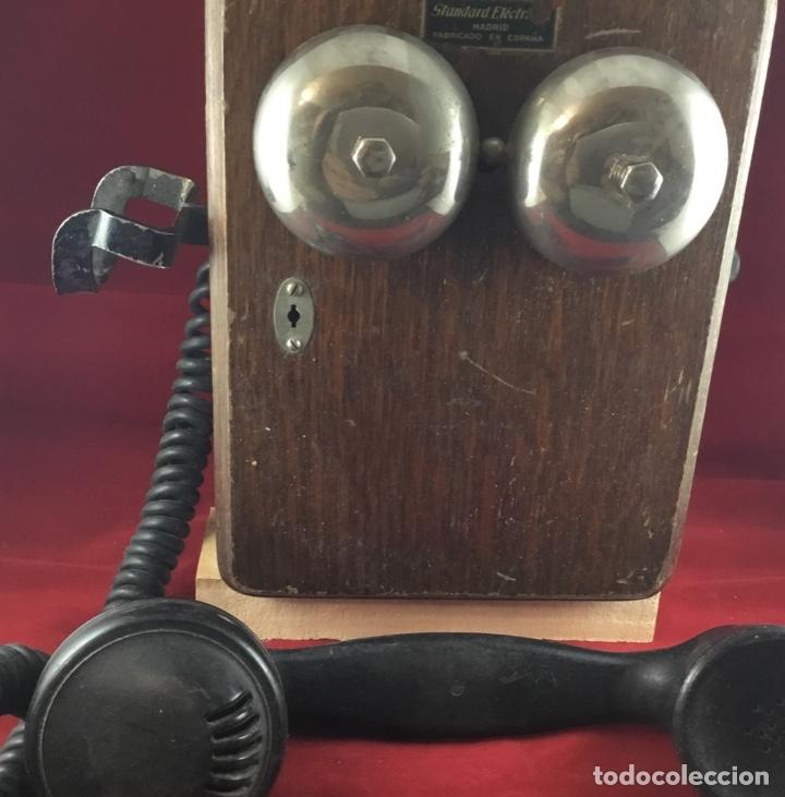 Teléfonos: Teléfono mural de madera y baquelita, con magneto, de Standard Eléctrica para la CTNE - Foto 8 - 133620834