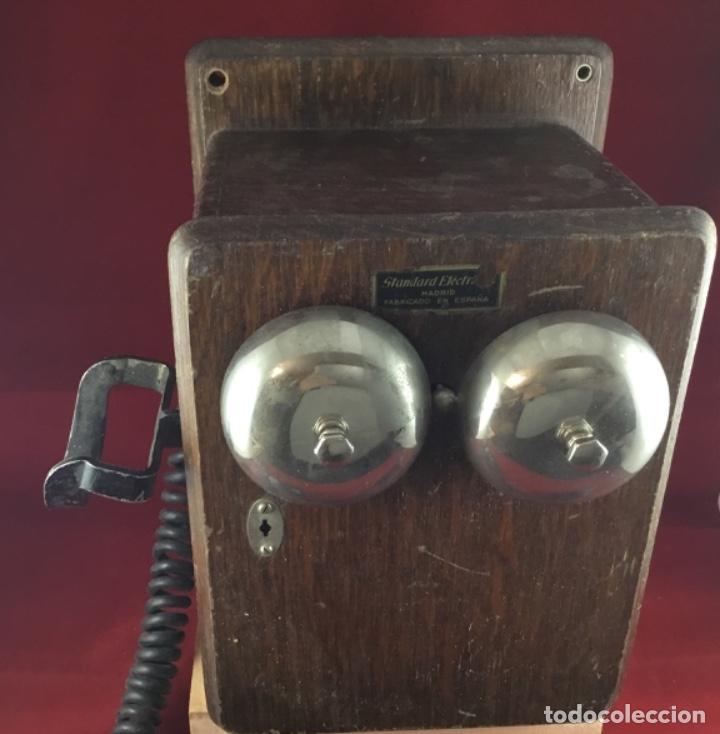 Teléfonos: Teléfono mural de madera y baquelita, con magneto, de Standard Eléctrica para la CTNE - Foto 9 - 133620834