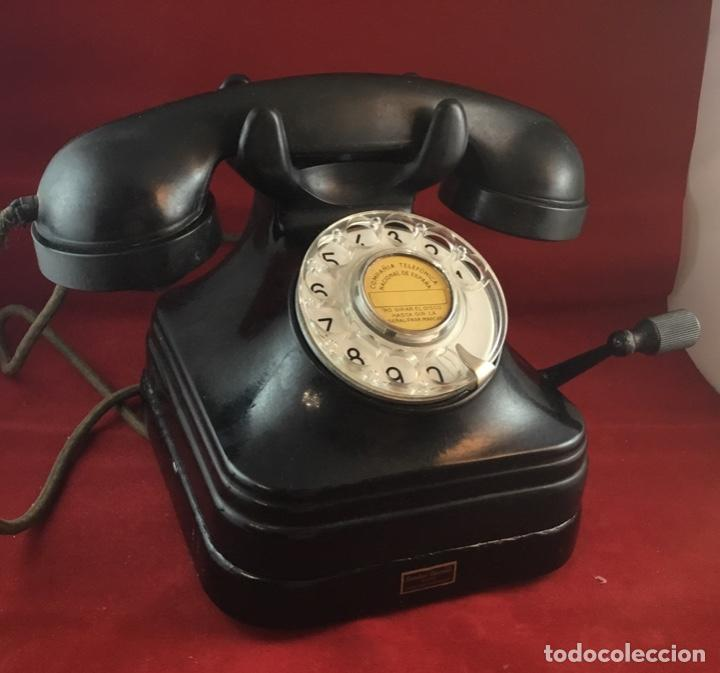 Teléfonos: Teléfono sobremesa baquelita, de magneto y dial, batería local, de Standard Eléctrica, para la CTNE. - Foto 3 - 141304158