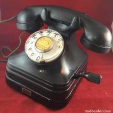 Teléfonos: TELÉFONO SOBREMESA BAQUELITA, DE MAGNETO Y DIAL, BATERÍA LOCAL, DE STANDARD ELÉCTRICA, PARA LA CTNE.. Lote 141304158