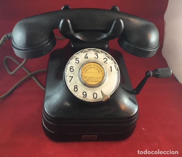 Teléfonos: Teléfono sobremesa baquelita, de magneto y dial, batería local, de Standard Eléctrica, para la CTNE. - Foto 4 - 141304158