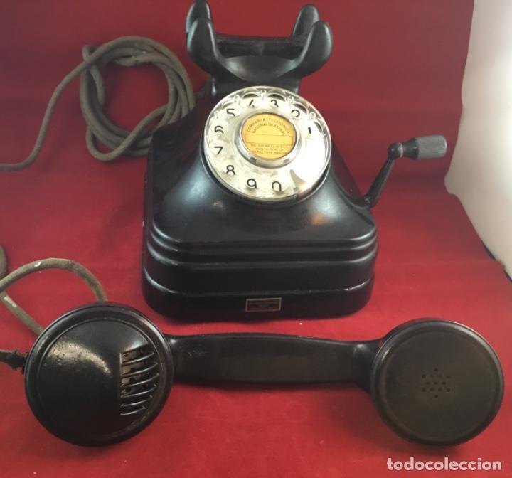 Teléfonos: Teléfono sobremesa baquelita, de magneto y dial, batería local, de Standard Eléctrica, para la CTNE. - Foto 5 - 141304158