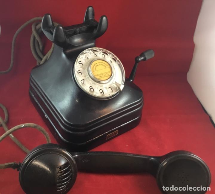 Teléfonos: Teléfono sobremesa baquelita, de magneto y dial, batería local, de Standard Eléctrica, para la CTNE. - Foto 6 - 141304158