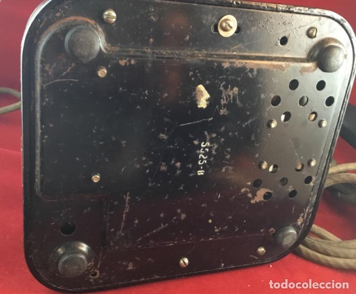 Teléfonos: Teléfono sobremesa baquelita, de magneto, batería local, de Standard Eléctrica, para la CTNE. - Foto 7 - 141304158