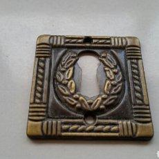 Antigüedades: EMBELLECEDOR BOCALLAVE CERRADURA. Lote 141567668