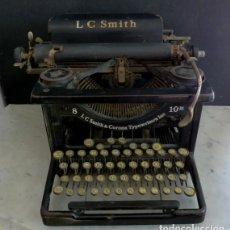 Antigüedades: MÁQUINA DE ESCRIBIR LC SMITH 8. Lote 141923642