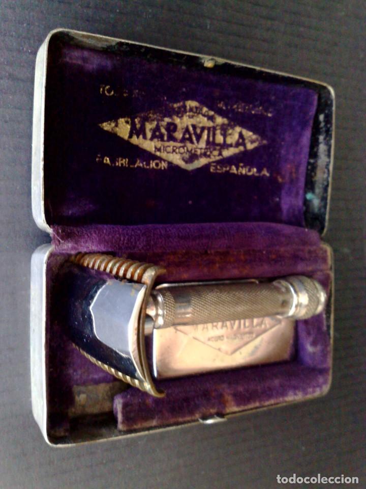 Antigüedades: ANTIGUA MAQUINILLA DE AFEITAR (2 MODOS) MARCA MARAVILLA EN ESTUCHE CON GUARDAHOJAS (DESCRIPCIÓN) - Foto 2 - 142032770