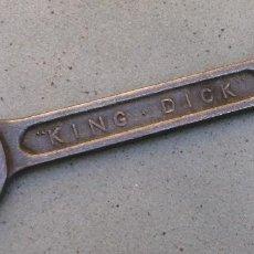 Antigüedades: LLAVE INGLESA KING DICK, MEDIDAS IMPERIALES 7/16W, 3/8W , 19CM APROX. Lote 142180022