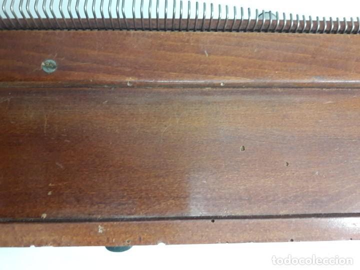 Antigüedades: antigua tricotosa de lana marca LANOFIX MODELO INDUSTRIAL PATENTADO DOBLE MANIVELA Nº 405 - Foto 20 - 142327170