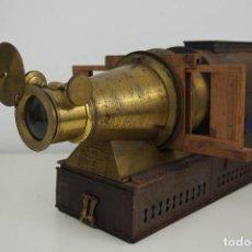 Antigüedades: ANTIGUA LINTERNA MÁGICA FIRMADA E.G WOOD 'THE EUPHANERON' C. 1861-1898. Lote 142602970