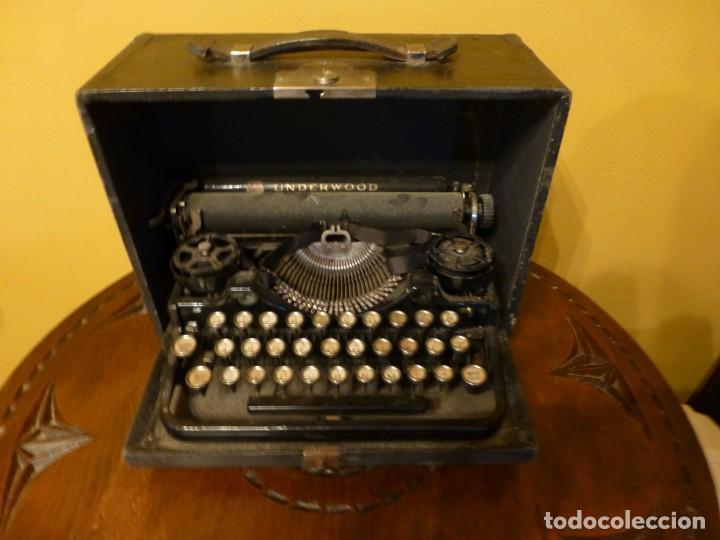 MÁQUINA DE ESCRIBIR PORTATIL ANTIGUA UNDERWOOD COMPLETA. 1915 (Antigüedades - Técnicas - Máquinas de Escribir Antiguas - Underwood)