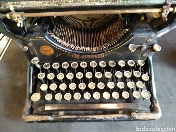 Antigüedades: Maquina de escribir Underwood. Funciona - Foto 4 - 142673692
