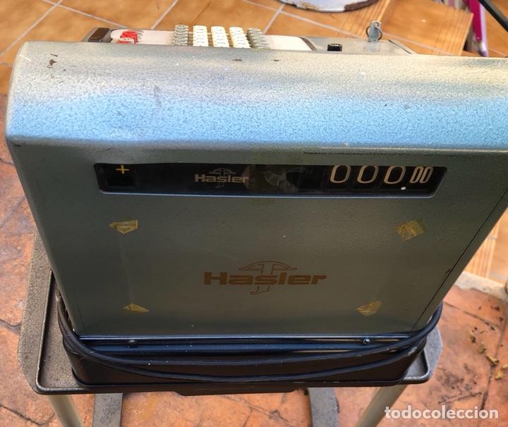 Antigüedades: Caja registradora marca hasler con su soporte incluido - Foto 5 - 142680729
