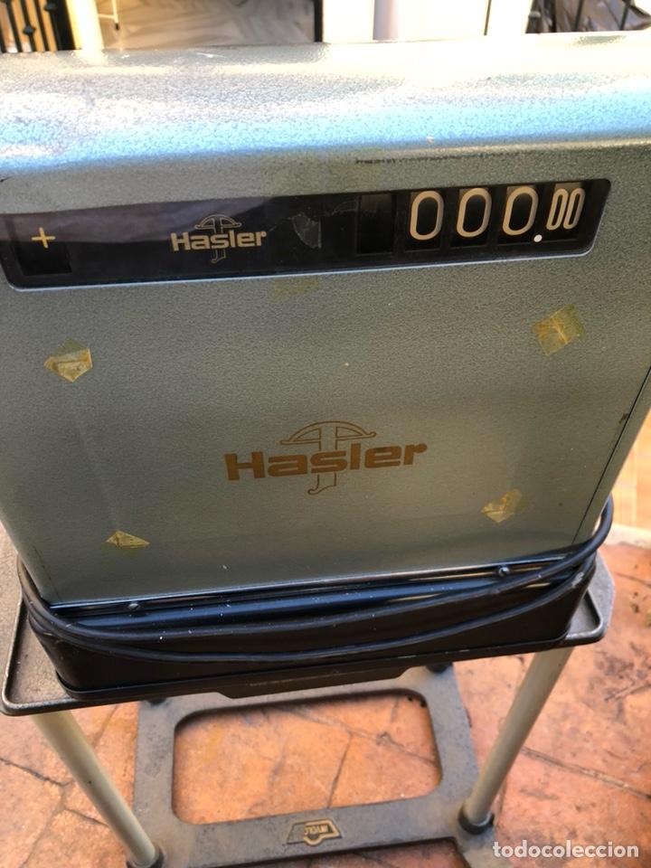 Antigüedades: Caja registradora marca hasler con su soporte incluido - Foto 6 - 142680729