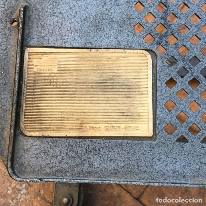 Antigüedades: Caja registradora marca hasler con su soporte incluido - Foto 9 - 142680729