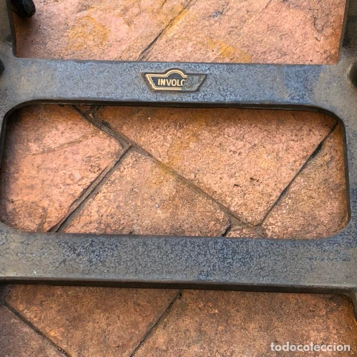 Antigüedades: Caja registradora marca hasler con su soporte incluido - Foto 10 - 142680729