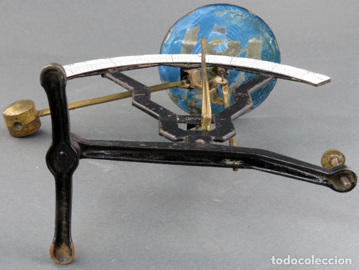 Antigüedades: Bascula balanza española postal pesar cartas correo en hierro Jmaz principios siglo XX - Foto 8 - 142681646