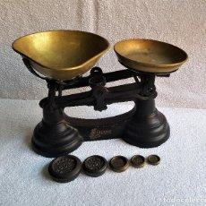 Antigüedades: GB UK BALANZA BASCULA IBRASCO DE HIERRO Y BRONCE ENGLAND CON PESOS. Lote 142964986