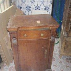 Antigüedades: MAQUINA DE COSER REFREY TRANSFORMA FUNCIONANDO. Lote 143041350