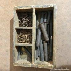 Antigüedades: PUNZONES Y REMACHES DE HOJALATERO. Lote 143272750