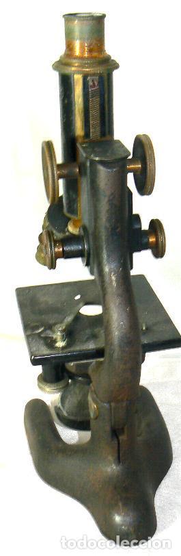 Antigüedades: Antiguo microscopio BAUSCH & LOMB de latón con tres lentes intercambiables - Foto 5 - 143303322